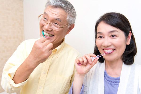 9成老人有牙周病